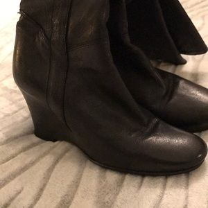 Kenneth Cole Shoes - Kenneth Cole Black Leather Boots